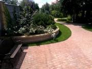 Приподнятые-клумбы-в-саду