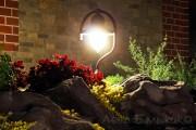 Светильник-как-декоративный-елемент-сада
