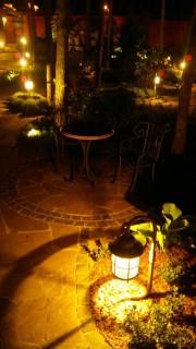 Функциональная-и-декоративная-подсветка-сада